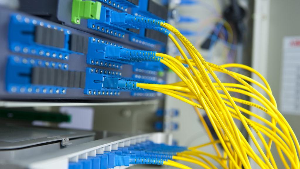 Минкомсвязи предлагает подключать соцобъекты кинтернету только сиспользованием российского оборудования