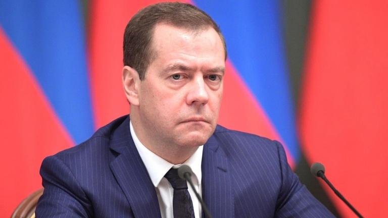 Медведев поручил представить предложения поулучшению контроля надсредствами нацпроектов