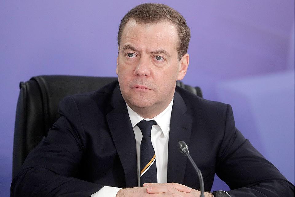 Медведев обсудит срегионами реализацию нацпроектов