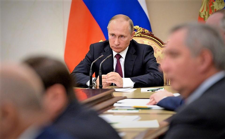 Президент поручил кабмину обеспечить принятие законов дляреализации нацпроектов в2019 году