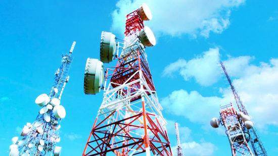 Кабмин определил компании, которые будут обеспечивать связью ряд соцобъектов в РФ
