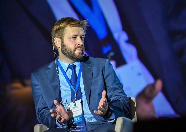 Владислав Онищенко: Ненадорегулировать избыточно сферы, вкоторых технологии так быстро меняются