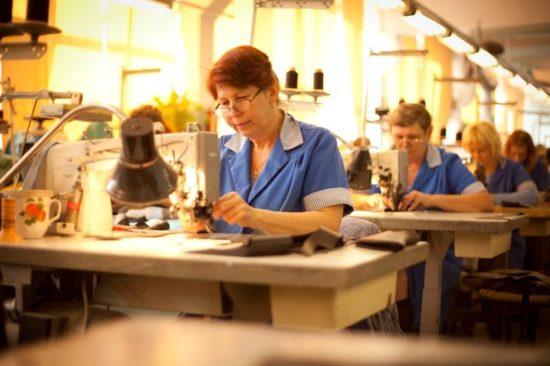 Усиление поддержки легкой промышленности