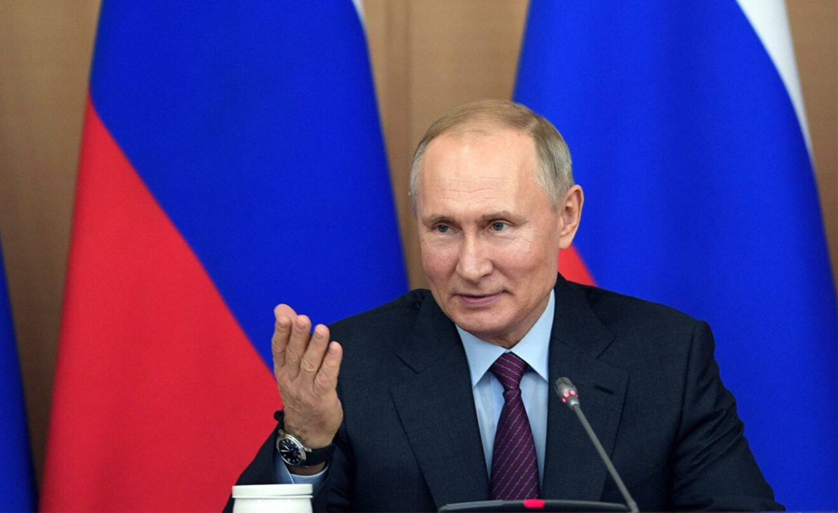 Президент поручил создать цифровую платформу прогнозирования потребности регионов впрофессиональных кадрах