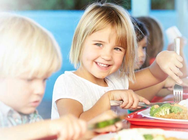 Путин подписал закон обесплатном питании школьников младших классов