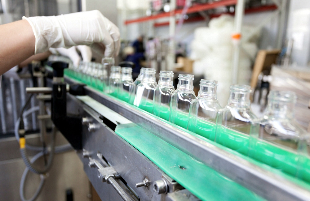Российские предприятия замесяц увеличили суточное производство антисептиков вшесть раз