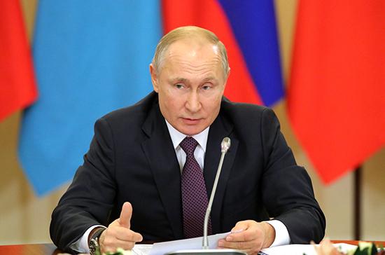 Президент поручил увеличить выпуск медицинских изделий и лекарств от коронавируса