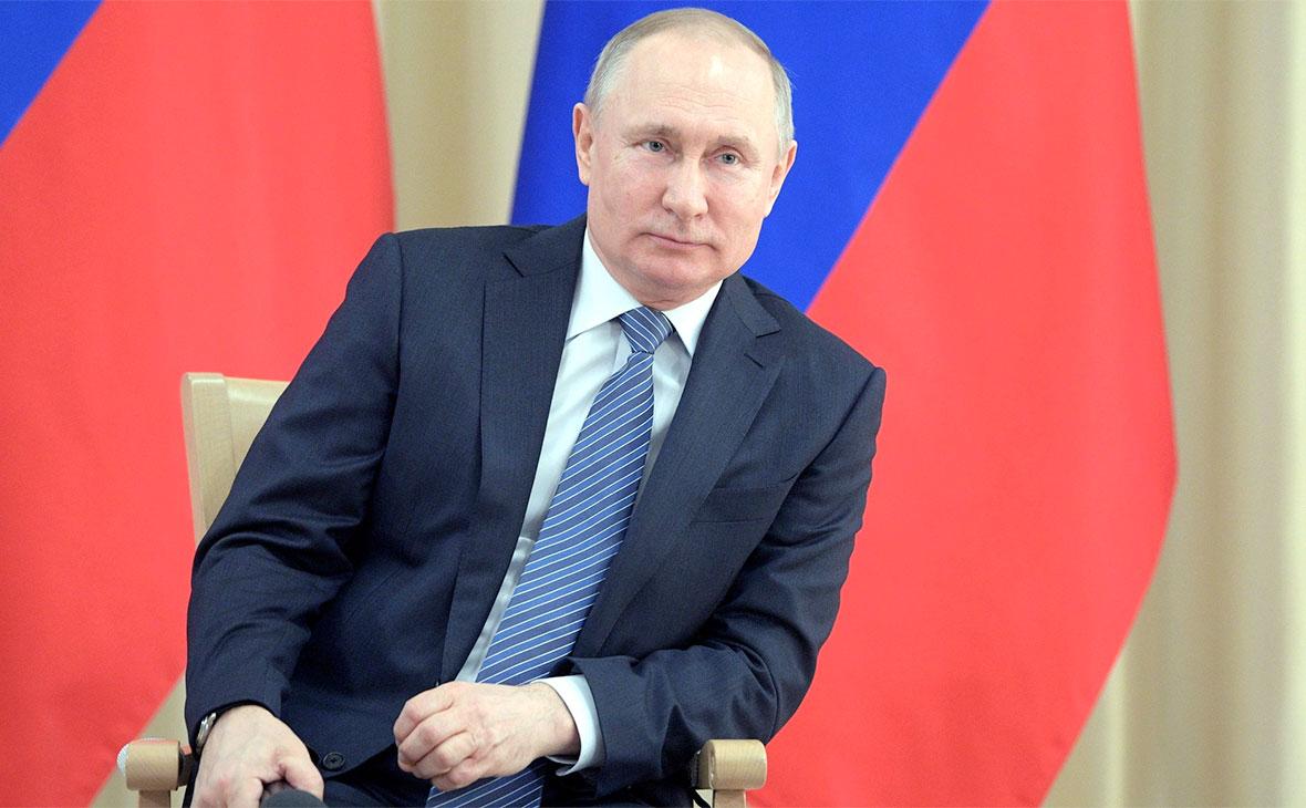 Владимиру Путину 1 июня представят программу поддержки экономики на2020—2021 годы