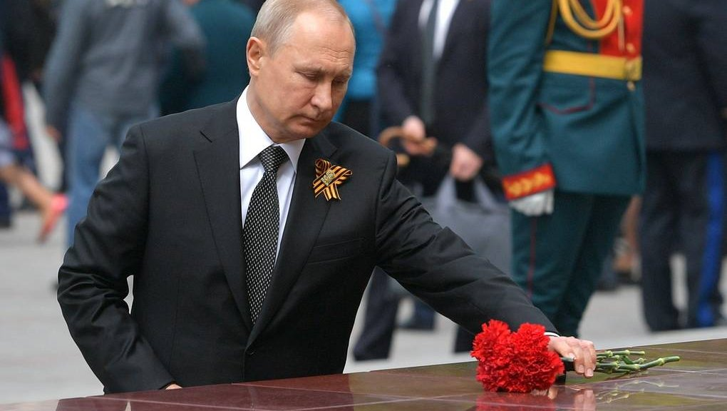 Путин поздравил россиян сДнем Победы вВеликой Отечественной войне