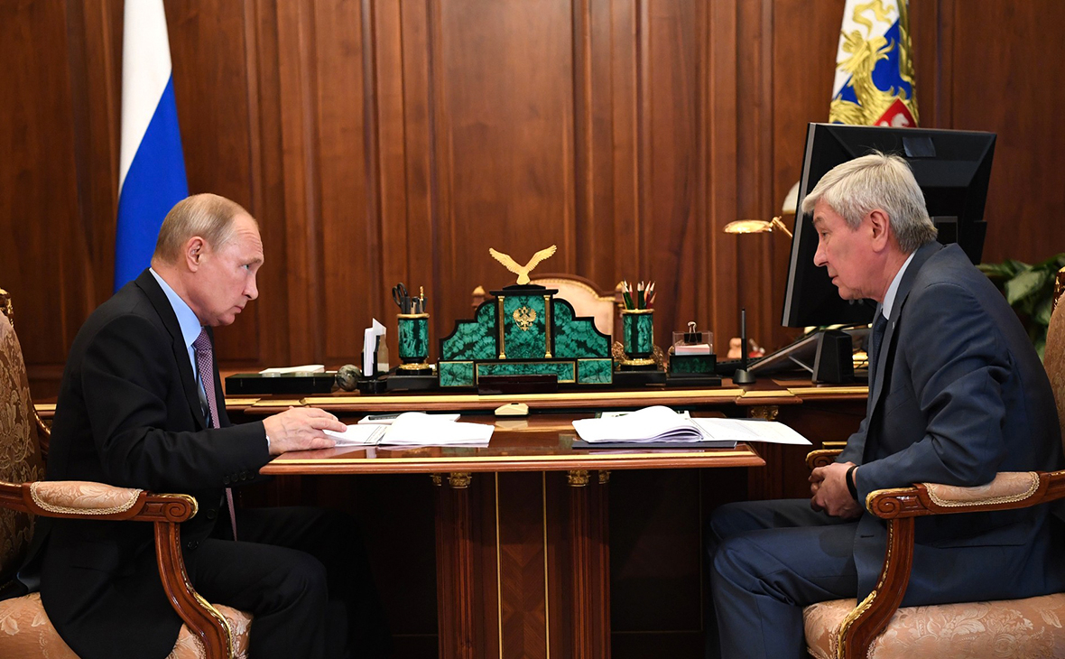 Путину доложили онарушениях работ погосконтрактам дляборьбы сCOVID-19