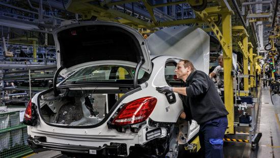 В России вступил в силу запрет на госзакупки иностранных автомобилей