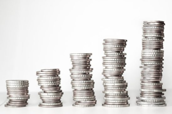 Объем закупок госкомпаний в I полугодии вырос на 34%, до 10,7 трлн руб.