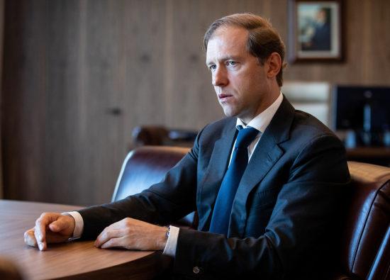Мантуров: Россия будет поставлять сотни аппаратов ИВЛ на экспорт
