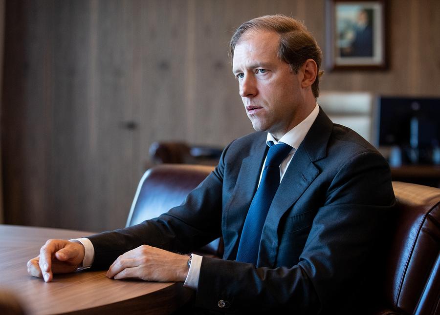 Мантуров: Россия будет поставлять сотни аппаратов ИВЛ наэкспорт