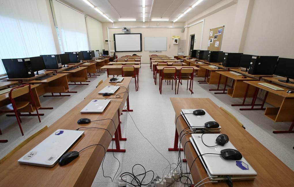 Новые компьютеры получат школы итехникумы Хабаровского края понацпроекту