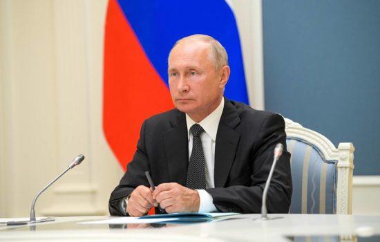 """Путин: """"Год от года доля гражданской продукции в общем объеме производства ОПК растет"""""""
