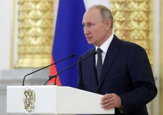 Путин высоко оценил действия кабмина во время пандемии