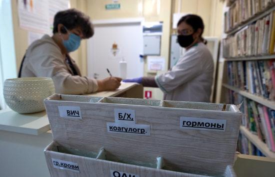 13 мобильных ФАПов закупили в Новосибирской области по нацпроекту