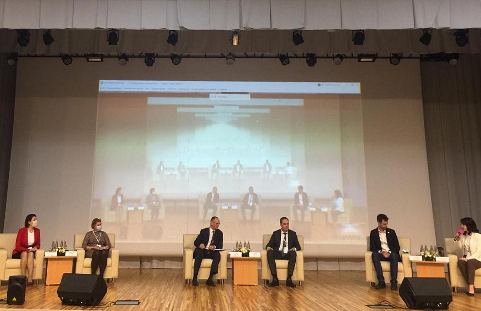 205 млрд рублей – втарелки школьников