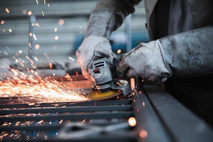 Промышленникам Петербурга расширили доступ кгосзакупкам