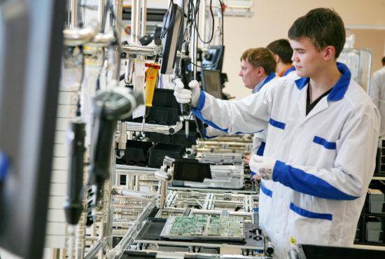 Феодальная индустриализация,  инкубаторы инженеров