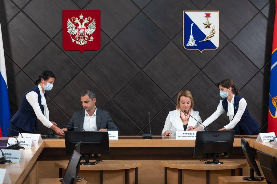 Предпринимателей Севастополя научат пользоваться бонусами контрактной системы