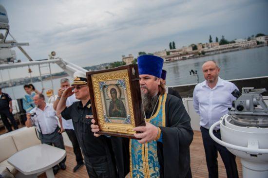 Крестный ход по Крыму